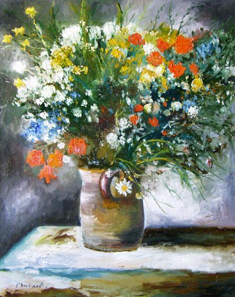 Цветы в глиняном горшке